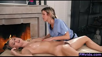 Natalia Starr and Alexis Fawx hot babes lesbian play