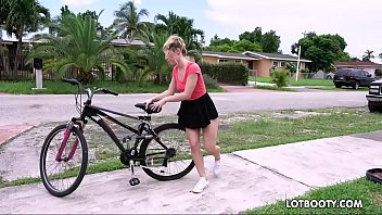 Big ass horny bicyclist Aubrey Sinclair gets fucked