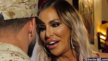 Busty ts Marissa Minx gives her man a bj