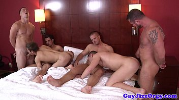 Gay blowjob party Beefy hunks enjoying a cluster party