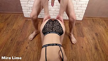 Perfect young pornstar fuck for money with her admirer with big cock 10分钟