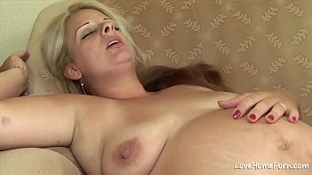 Blonde pregnant chick getting licked and fucked