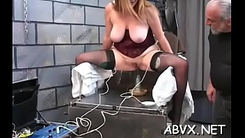 Free xxx amature home videos Taut pussy bizarre bondage in home xxx video