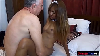 Thai amateur maid finds porn playing on his laptop and likes it
