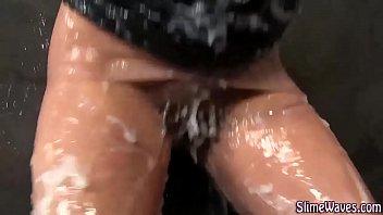 Bukkake babe fucks toy Vorschaubild