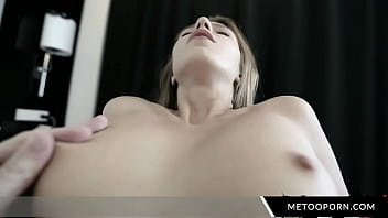 Horny Whore Give Blowjob In A Hotel