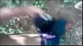 indian college lovers fuck in forest