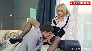 LETSDOEIT - Romanian MILF Teacher Lara De Santis Knows How To Teach Her Boy