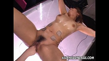 Bondage watch papers Asian babe is vacuum simulated to her pleasure
