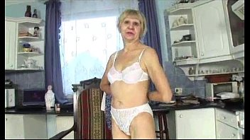 Granny prefers banging with young guy Vorschaubild