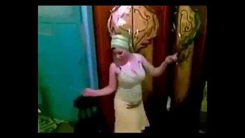 XBNAT.COM free cam on arab hot belly dance 1