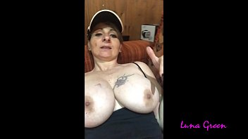Lunas cam nude Wife has fun alone