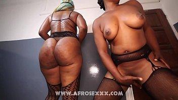 Amazon Tall Women And Petite Teen Girl Naked Lesbian