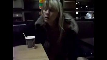 Nude in Public mit Regina Schulte aus 58553 Halver nackt in der Öffentlichkeit