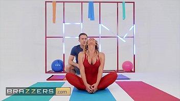 Hot Milf (Phoenix Marie) Compined Yoga Hardcore Anal Sex - Brazzers
