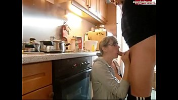 Amateur Big Tits Fucks in kitchen thumbnail