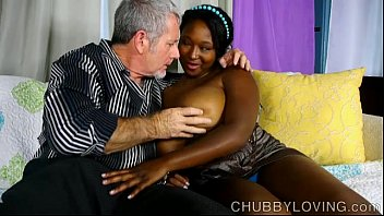Beautiful big tits black BBW gives an amazing blowjob