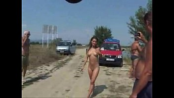 Nude runing - Public nude and piss blonde teen 01