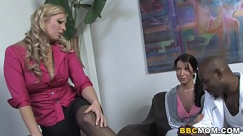 Mom Jordan Kingsley Fucks BBC With Her Daughter