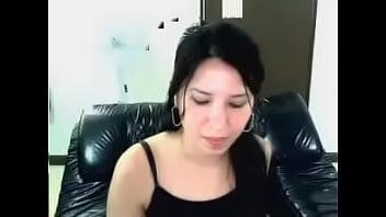 性感的latina摩洛伊斯兰解放阵线安娜埃雷拉他妈的她自己与一个香蕉的猫在网络摄像头聊天后。 可爱的脸,超级放荡的摩洛伊斯兰解放阵线。 很棒又性感。 角质看她的脸上。