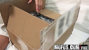 Mofos - Pornstar Vote - Jessa Rhodess Pussy Gets a Package starring  Jessa Rhodes
