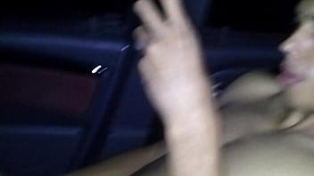 Bruno gostozão gozando no carro