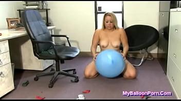 Inch latex balloon Bbw savannah taylor popping big balloons