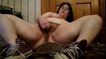 Hot Chubby Babe Masturbates herself!