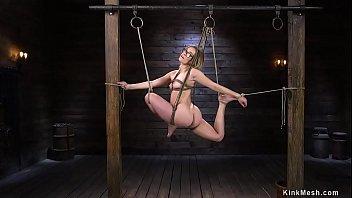 Natural blonde in full split suspension