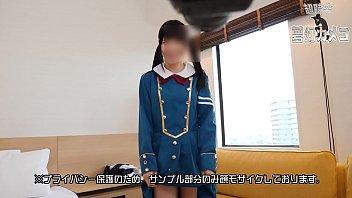 18歳アイドル女子大生レイヤーと個人撮影会 初回限定にて顔出し映像付