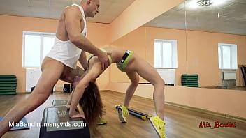 Sexy training amateur couple with cumshot on short shorts