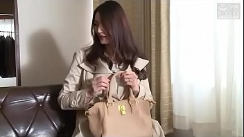 Japanse vrouw cuckold (Zie meer: shortina.com/CmvmvCY)