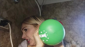 I have a vice: sitting naked on balloons, then licking and rubbing them and ... صورة