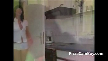 Do you ever see how pizza goes in