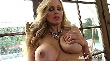 Busty Blonde Milf Julia Ann Plays With Her Wet Pussy!