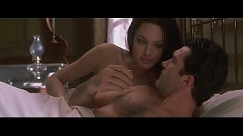 Angelina jolie movie nude Angelina jolie exposing tits in bed in original sin movie