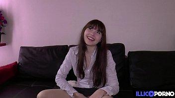 Luna Rival 18 ans et déjà dingue de sodomie