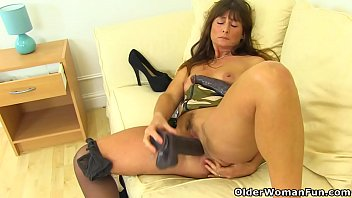 British dildo reviews - English milf lelani gets busy with two giant dildos