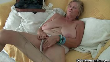 Euro granny Tarra dildos her over 70 year old cunt
