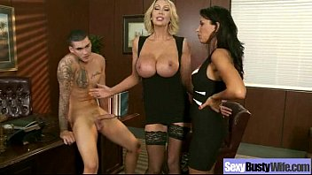 Big Tits Wife (leigh lezley) Love Sex In Front Of Camera mov-22