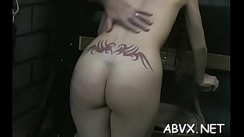 Chick who knows how to play with her poontang