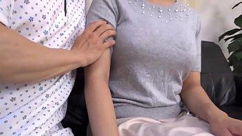 おばさんぽ ~Hカップ熟女の想い出~ 水元恵梨香 2
