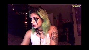 Sexy goth girl dildo blowjob