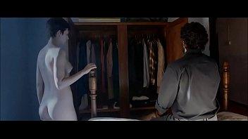 Ursula Corbero desnuda en El arbol de la sangre - famosateca.es