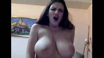 Big natural tits amateur girl willing to cum on webcam