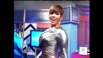 Ana Carolina sexy suplex
