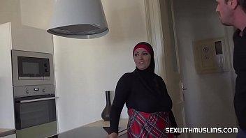 Mulsim sister-in-law thumbnail