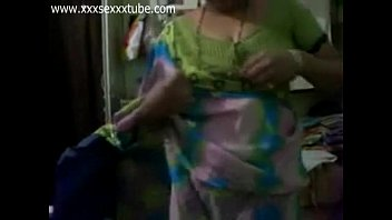 New Marathi Aunty boobs show and bath xxxsexxxtube.com