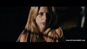 Sarah Michelle Gellar in Veronika Decides to Die
