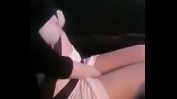 Girl Quick Masturbation in Backseat